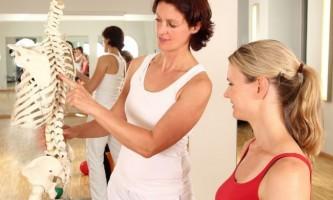 10 Питань, які потрібно задати лікареві про остеопороз