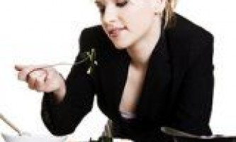 7 Продуктів, якими можна харчуватися в офісі (на роботі)