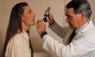Антибіотики при болю в горлі. Місцевий антибіотик від горла