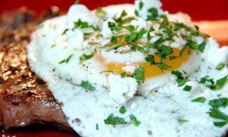 Антрекот з яйцем