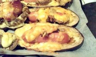 Баклажани із сосисками - рецепт