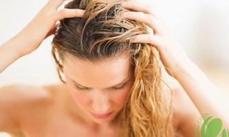 Бездоганна шевелюра з домашнім пілінгом для шкіри голови