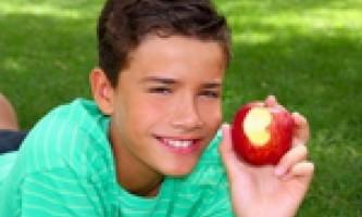 Чим годувати підлітка