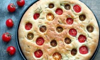 Фокачча з помідорами і розмарином. Тісто в хб - рецепт