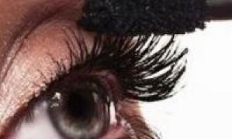 Гіпоалергенна туш для вій: порятунок для чутливих очей