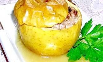 Яблука, фаршировані індичкою з яблучно-медовим соусом - рецепт