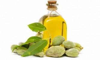 Як використовувати мигдальне масло для особи: рецепти від зморшок і прищів
