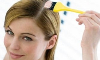 Як перефарбуватися з брюнеток в блондинку: поради та рекомендації