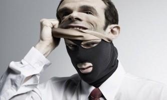 Як зрозуміти, що людина бреше і викрити брехуна?