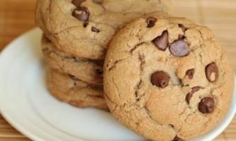 Як приготувати домашнє печиво з шоколадною крихтою?