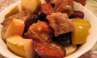 Як приготувати індичку з фруктами