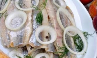 Як приготувати салат з оселедця