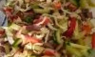 Як приготувати теплий салат з яловичиною і морквою