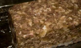 Як приготувати сальтисон в домашніх умовах: м`ясо в шлунку