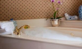 Як приймати сольові ванни