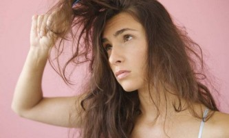 Як розплутати волосся без шкоди для них