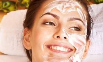 Як зробити маску для обличчя з кефіру і позбутися від прищів?
