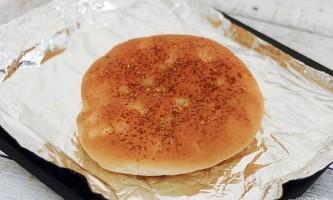 Як зробити смачний хліб з сиром і грибами