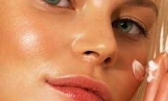 Як доглядати за жирною шкірою обличчя: поради, рецепти