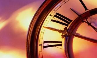 Як встановити точний час на годиннику зі стрілками