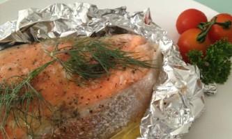 Як запекти рибу в духовці: смачно і корисно