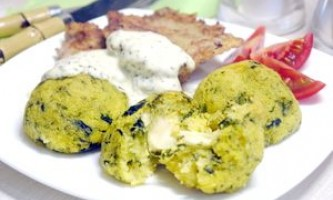Кнедлі з поленти зі шпинатом і сиром - рецепт