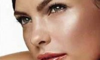 Догляд за комбінованою шкірою обличчя: боротьба з недосконалостями