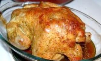 Курка в рукаві - безпрограшний варіант для святкового застілля або ситної вечері