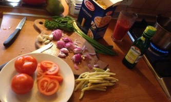 Макарони з тушкованими овочами приклад вуглеводного обіду!
