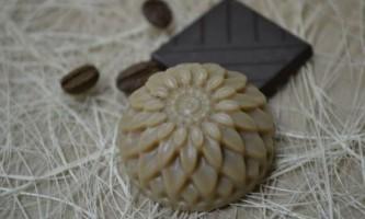 Масло какао для обличчя, його застосування в домашній косметології