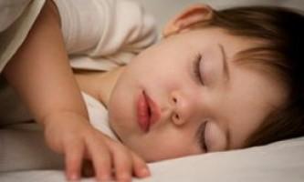 Молодші школярі повинні спати не менше десяти годин