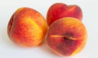 Про корисні властивості персика