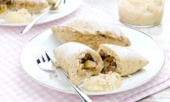 Парові пиріжки з яблуками і горіхами