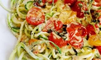 Паста з цукіні і помідорами: нескладні рецепти приготування