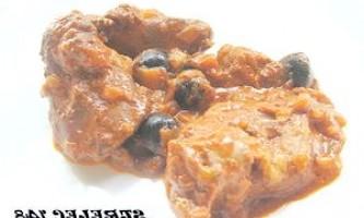 Печінка індички в соусі з томатів і маслин. - рецепт