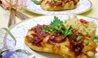 Пікантне куряче філе в пряному соусі - рецепт