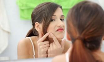 Чому при вагітності можуть з`явитися прищі на обличчі?