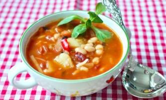 Пісний грецький суп фасолада