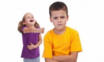 Боязкий дитина йде в дитячий сад: як допомогти