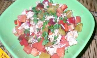 Салат з куркою і сливами (покроковий рецепт з фото)