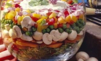 """Салат з опеньками: """"козуб"""" та інші популярні рецепти"""