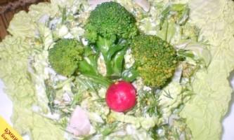 Салат з савойської капустою і кальмарами (покроковий рецепт з фото)
