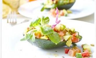 Салат із сьомгою та авокадо - рецепт
