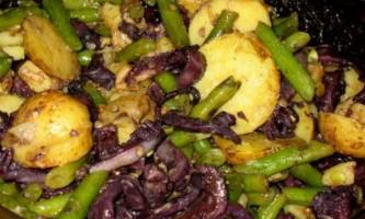 Салат з винними кальмарами і стручкової квасолею