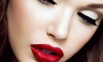 Топ-10 помилок в макіяжі, які можуть додати тобі кілька років.