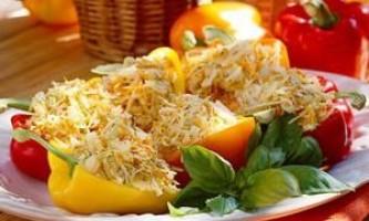 Дуже смачні закуски на всі випадки життя: як перець фарширувати овочами