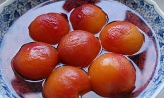 Смачні та солодкі персики в сиропі: рецепт приготування