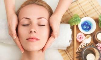 Всі секрети проведення банкового масажу обличчя в домашніх умовах