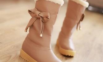 Вибираємо чоботи: шкіра або замша