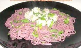 """""""Захмелілі"""" спагетті з м`ясними кульками - рецепт"""